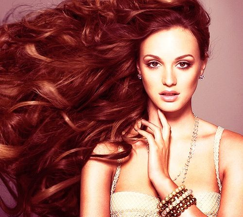 Leighton Meester and those curles!!! <3