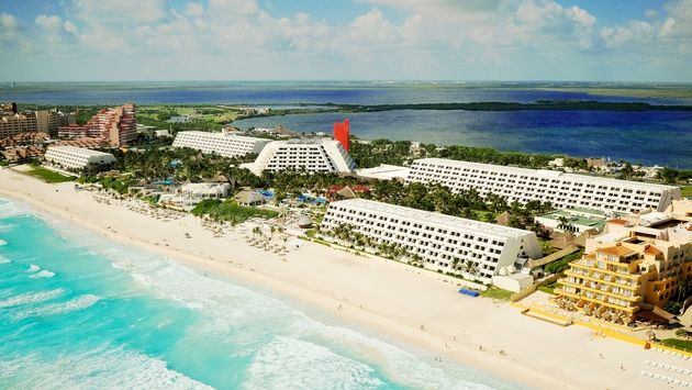 Grand Oasis Cancun Unveils Cancun's First Resort Casino and Renovated Performance Venue
