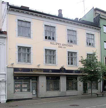 Jørgensengården at Stabells gate 2 in Hønefoss (Norway). Designed by Heinrich Karsten, built by the brothers Jørgensen in 1903. Facade ground floor altered later on.