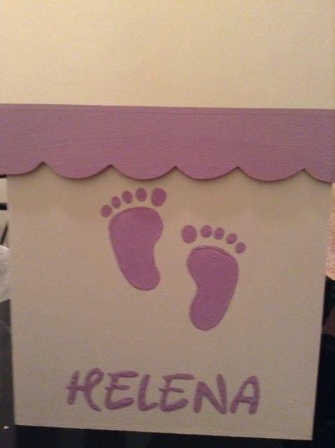 caja de 20 x20 con 40 pares de piecitos de jabon finamente perfumados con fragancias de bebe