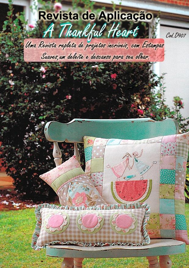 almofadas bordadas e aplicadas