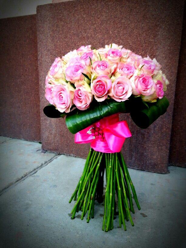 buchet trandafiri www.buticulcuevenimente.ro