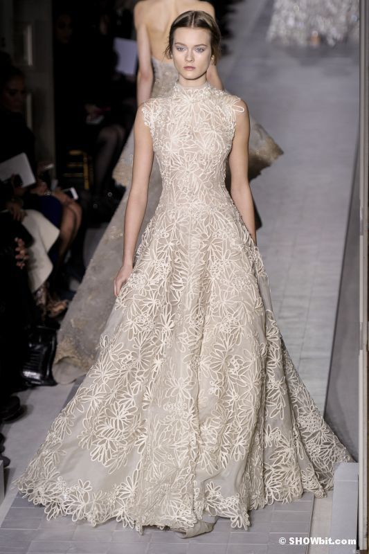 43 best Valentino wedding dresses images on Pinterest ...