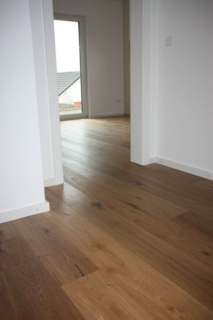 Caramel Oak Flooring In Living Room
