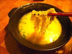 カップラーメンを生麺風に食べる
