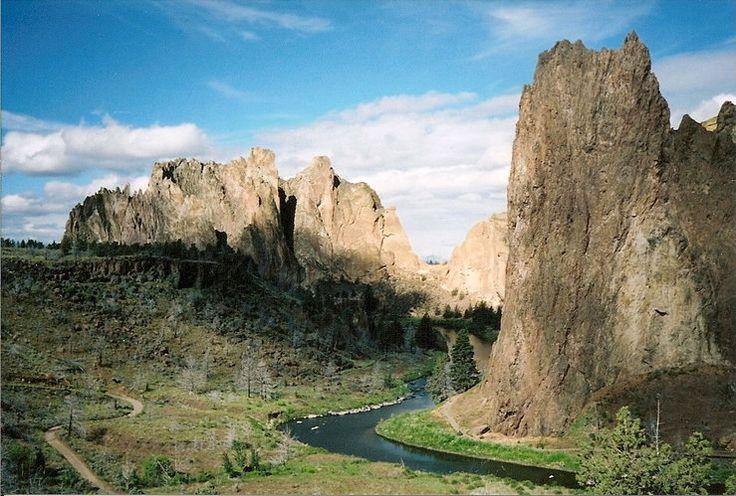Rock Climbing Routes & Photos in Smith Rock, Central Oregon