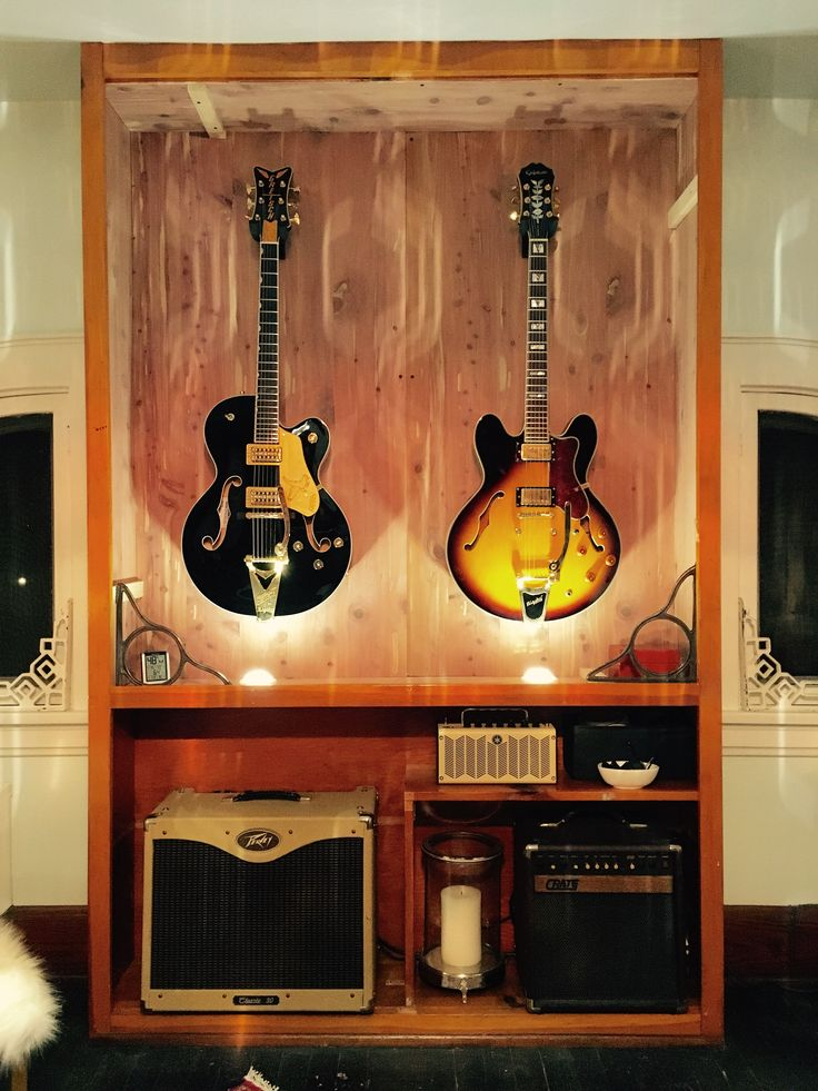 die besten 25 guitar display wall ideen auf pinterest. Black Bedroom Furniture Sets. Home Design Ideas