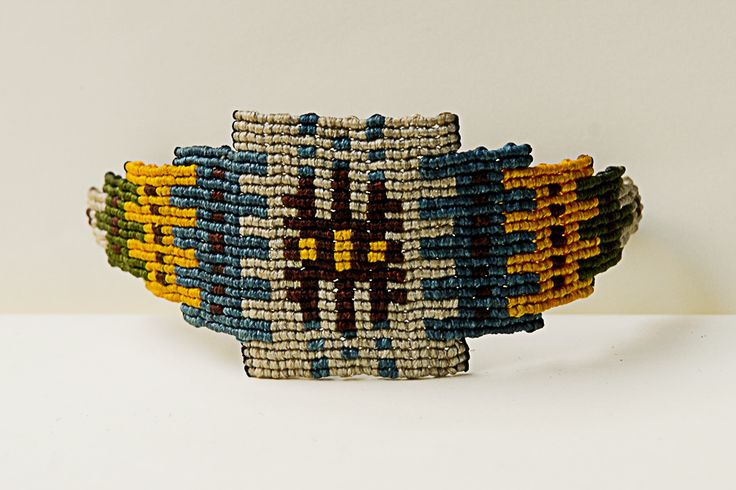 ALANGOO - Handmade Shaneh rug-weaved comb bracelet