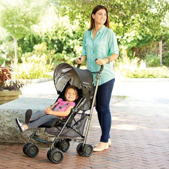 Uppa GLuxe  The Lightest Reclining Umbrella Stroller in its Class  One-handed, actuated recline + adjustable footrest Doing errands or seeing the sights during naptime? Your child can sleep comfortably in our reclining seat with adjustable footrest. Easy to fold and stands on its own