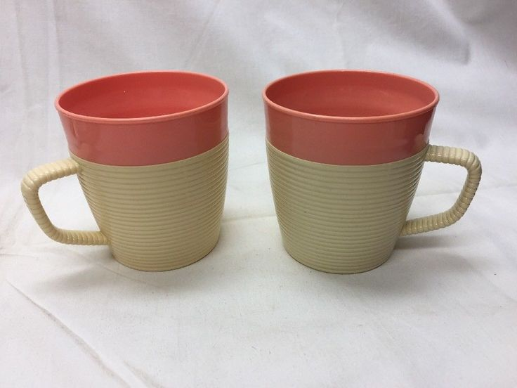 Raffiaware by Thermo-Temp 2 Pink Colors Coffee Cups Mugs Vintage Plastic