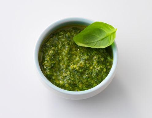 Basilikumpesto (Pesto genovese) - Rezept - ichkoche.at