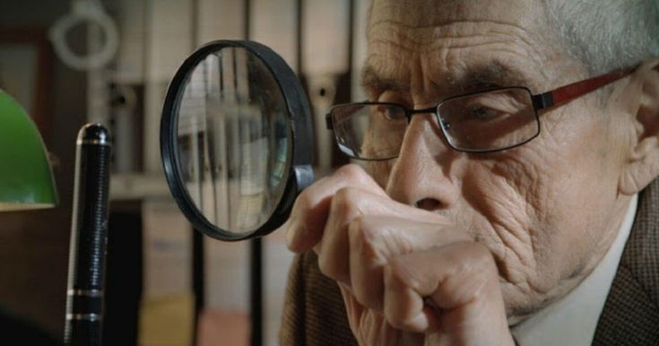 El documental chileno dirigido por Maite Alberdi muestra a un jubilado infiltrado como detective en un geriátrico para investigar lo que sucede ahí adentro. Bbc News, Detective, The Mole, Film Academy, Old Folks, Black Actresses, Film Score, Best Documentaries, American Legend