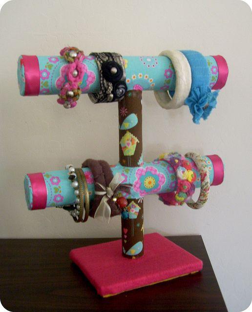 Portapulseras hecho con tubos de carton | Flickr – Compartilhamento de fotos!