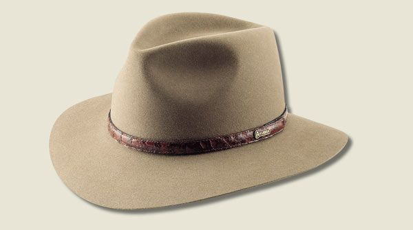 "Akubra Heritage 'Banjo Patterson. Heritage Fawn. Heritage Fawn, Graphite Grey. 53-64cm. 70mm, Cut Edge. Named after the popular Australian poet who wrote ""The Man From Snowy River"". Features a Barramundi leather band and Satin Lining."