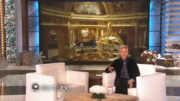 When hosting an event or choosing formal dinnerware for a luxurious table setting, custom gold dinnerware are the most glamorous choice! Glass Studio designed gold charger plates for The Venetian, Las Vegas! The successful event blew everyone away! Check out how it was covered by media and Ellen DeGeneres!