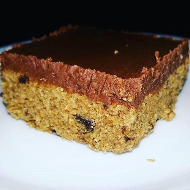 """Comendo o """"último dos moicanos"""" dos Dadinhos do Bazar Na Cozinha #bazarnacozinha #nacozinha #dadinhodadonamanteiga @donamanteiga #donamanteiga #danusapenna #bolos&delicias"""
