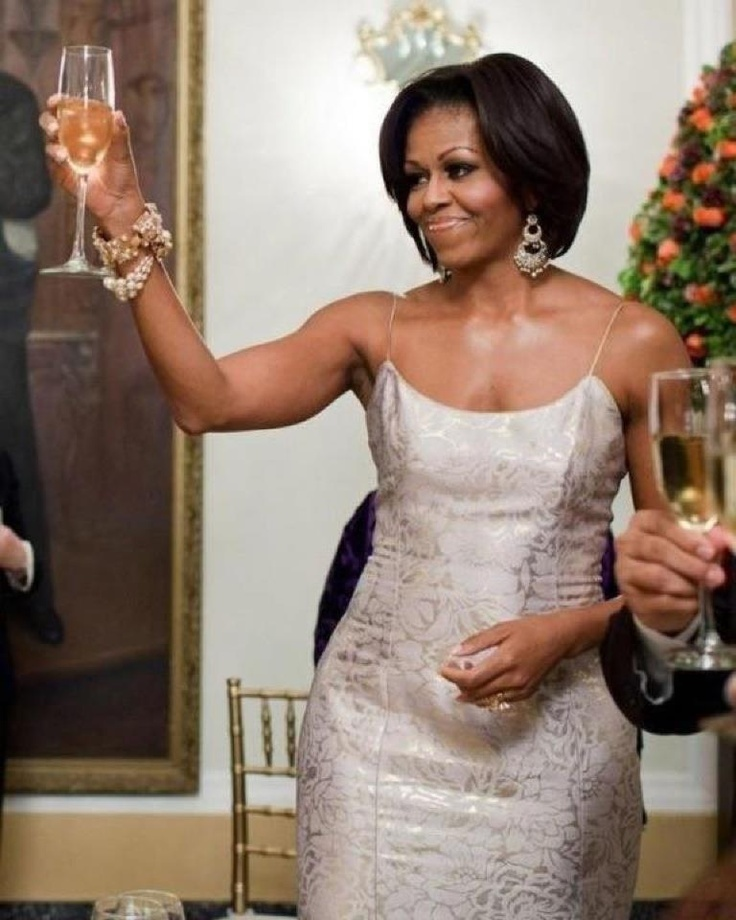 I want her arms...so toned: Presidents Obama, First Ladies, Michelle Obama, Ladies Michele, Michele Obama, The Dresses, 1St Ladies, New Years, Michelleobama