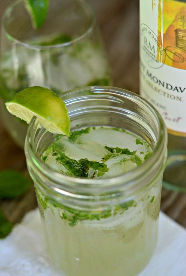 Skinny Mojito Wine Spritzer. My favorite drink year round. It's light and refreshing and less calories than a regular Mojito!   mountainmamacooks.com