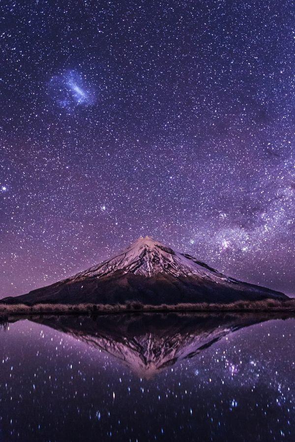 """drxgonfly: """" Mt. Taranaki at Night (by Jana Luo) """""""