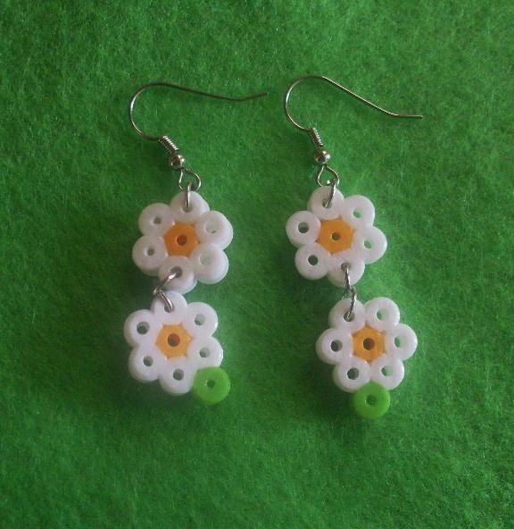 schattige bloemen oorbellen met strijkparels