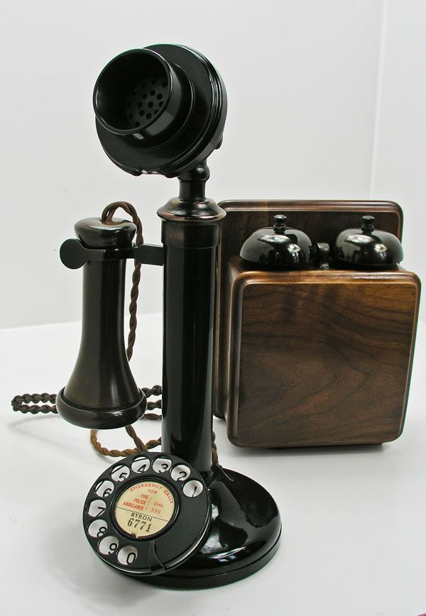 Type of Source: Picture Date of Origin: 1920s Telephone was one of the big techn…