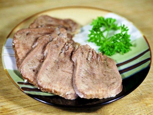 Как приготовить говяжий язык в мультиварке Прочитайте, как приготовить говяжий язык в мультиварке самым простым способом так, чтобы он получился мягким, нежным и ароматным