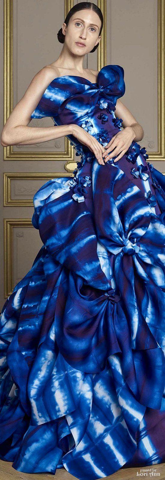 Giles Deacon Fall Couture 2016 jαɢlαdy
