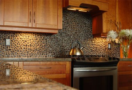 Pebble splash back kitchen makeover ideas pinterest stone backsplash stove and the cottage - Splashback alternatives ...