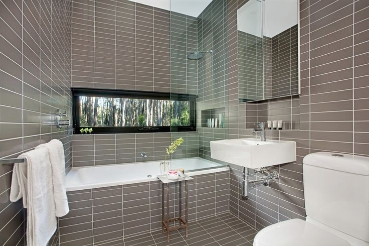 Stylish, clean lines in this gorgeous Daylesford bathroom. #Daylesford #bathroom #holidayrentals
