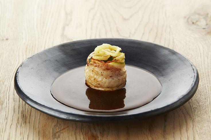 Een overheerlijke praline van tongfilet met vlaamse gedroogde hesp, die maak je met dit recept. Smakelijk!