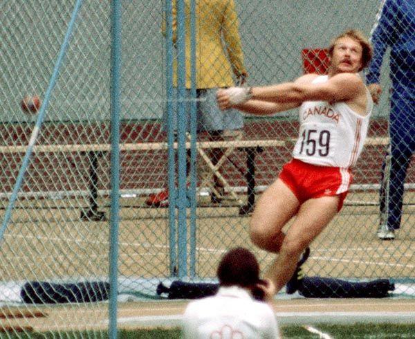 Murray Keating du Canada participe au lancer du marteau aux Jeux olympiques de Montréal de 1976. (Photo PC/AOC)