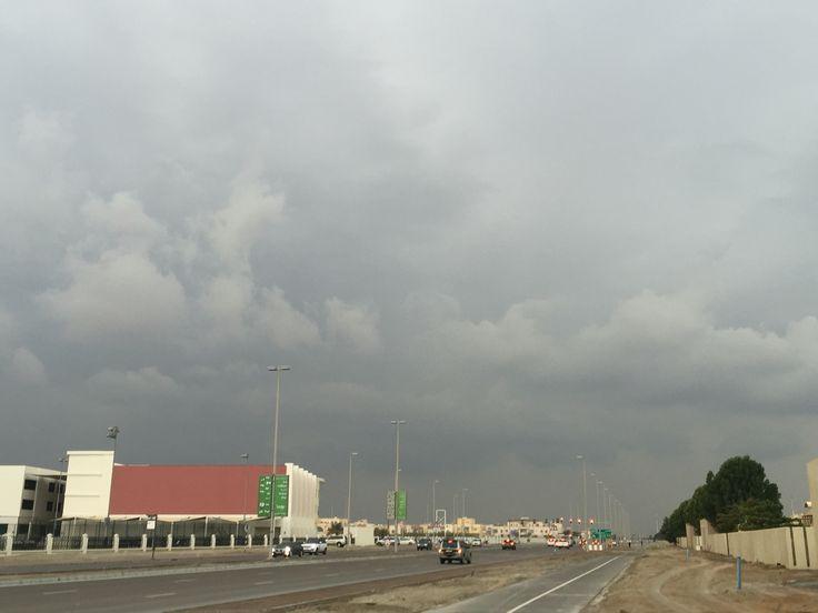Its raining in abu dhabi