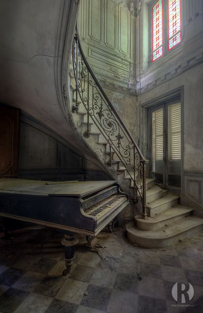 This lovely abandoned castle somewhere in a very small but rich village was a great place to visit. The stairs, the piano and the very decay...