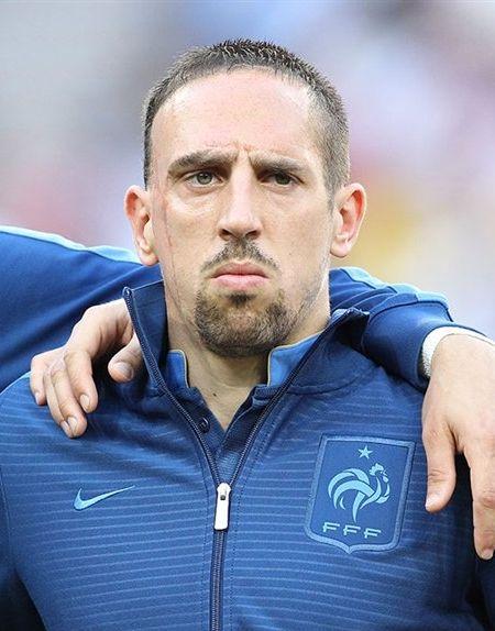Franck Ribéry snobe les Bleus, la Fédé et Deschamps - http://www.actusports.fr/110039/franck-ribery-snobe-les-bleus-la-fede-et-deschamps/