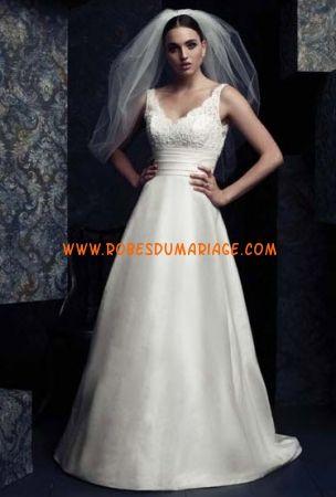 Paloma Blanca belle robe de mariée avec bretelle col en V ornée de perle satin