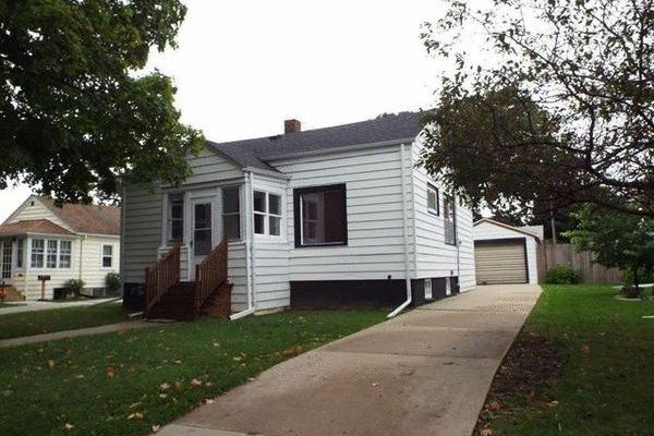 Mechanic Dream with Move-in Ready Doll House in Kenosha ...
