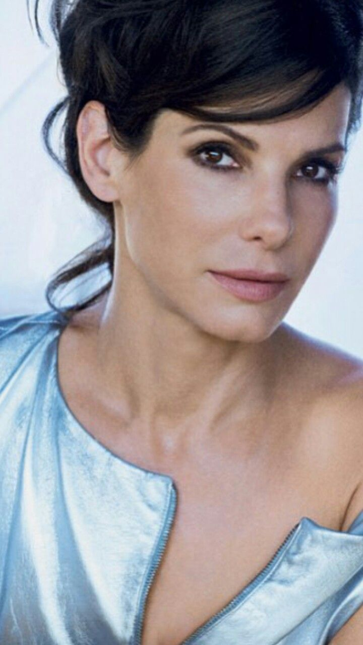 Sandra Bullock  - dark eye makeup, - rosewood lips & cheeks