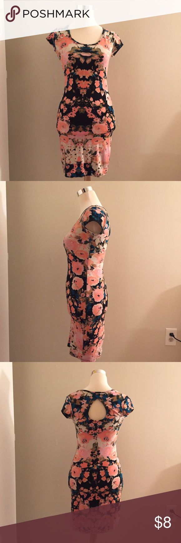 xhilaration Bodycon Floral Dress Floral bodycon dress with key hole in the back.  Cotton Spandex Xhilaration Dresses