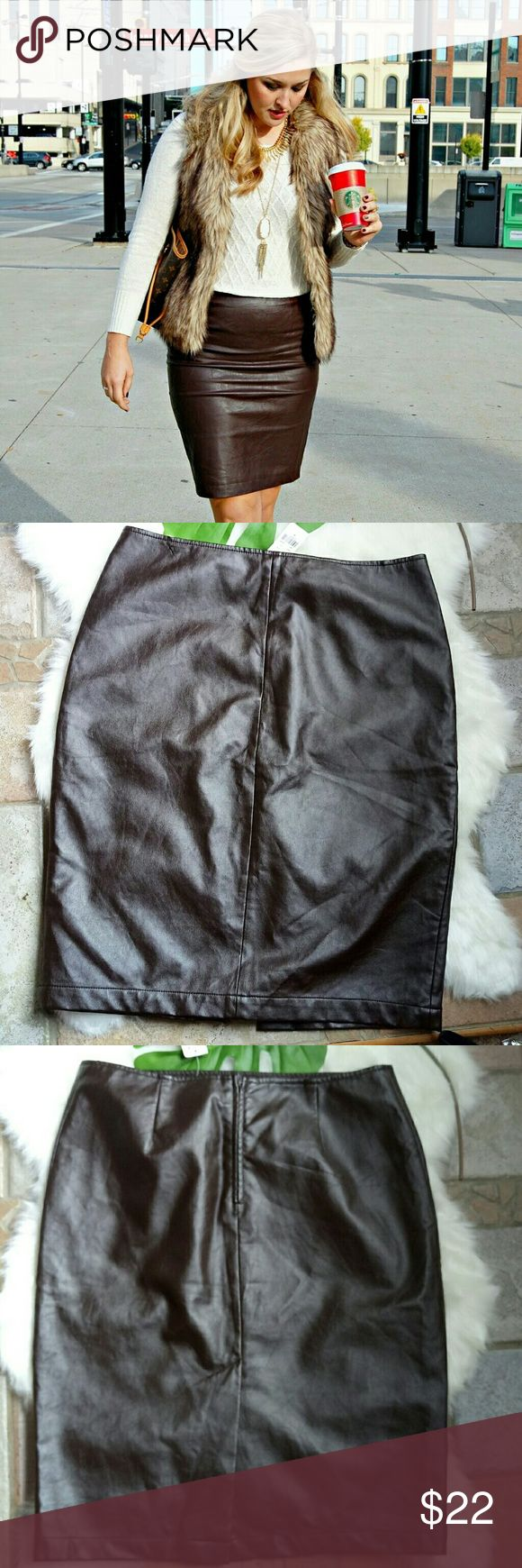 """NWT Brown Faux Leather Pencil skirt Perfect Fall skirt. New brown leather skirt size 6. Waist 31"""". Length 23"""". New York & Company Skirts Midi"""