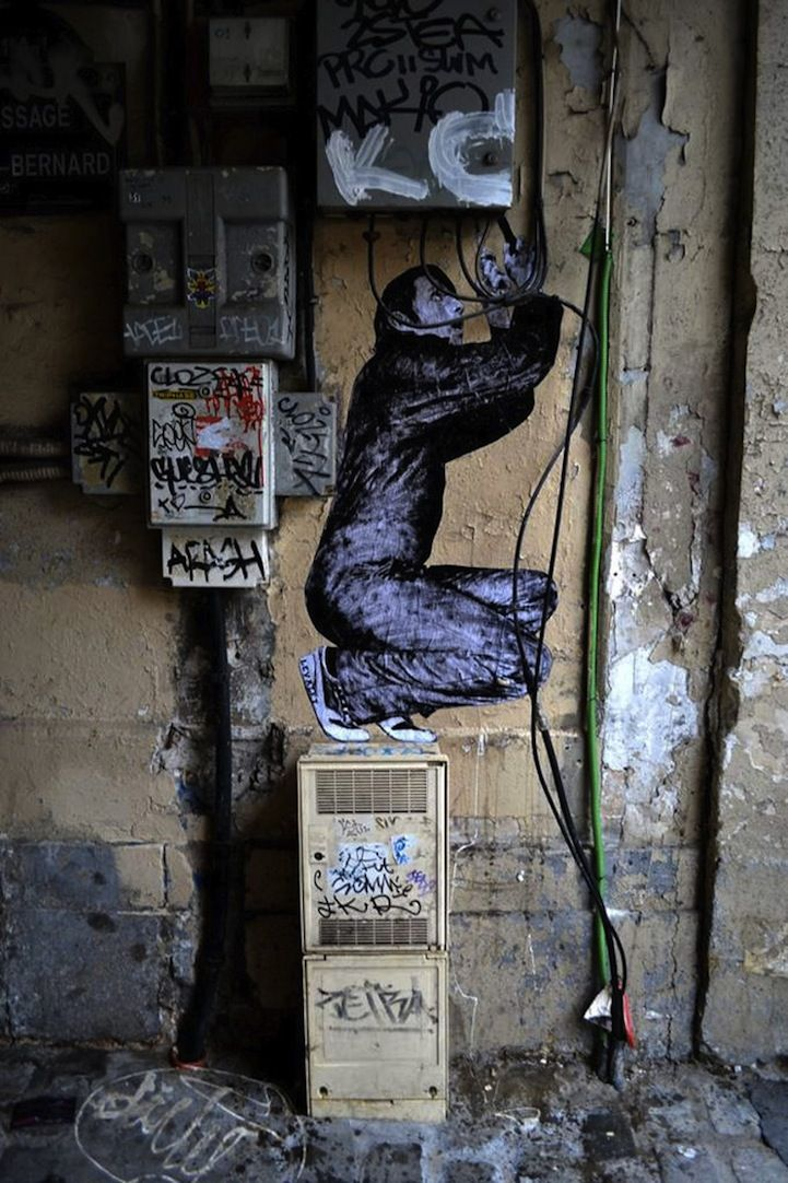 Street artist Charles Leval, aka Levalet, is the mastermind behind these cleverly placed wheat paste characters that interact with their surrounding environments. Located along the streets of Paris, each scene begins as a playful concept sketched on a piece of paper, and then comes to life through Levalet's perfectly arranged black and white drawings combined with the inventive alignment of some simple props. The artist has a talent for creating incredibly realistic depictions of people…