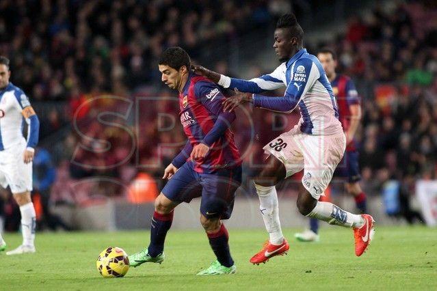 Luis Suárez dominando el balón | Barça, 5 - Espanyol, 1