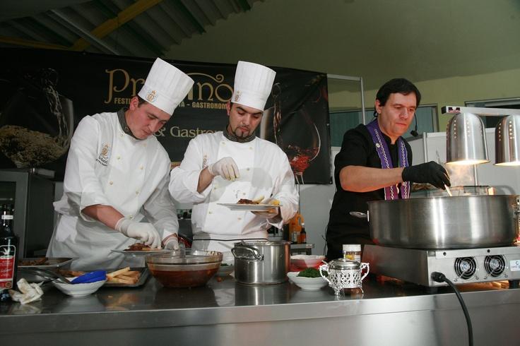 Grand chef cooking at PROVINO