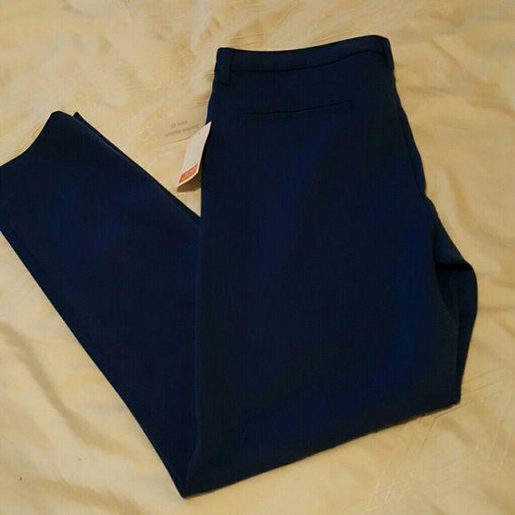 Blue skinny dress pant Never been worn blue dress pants in a size 6 slim fit. Joe Fresh Pants Skinny