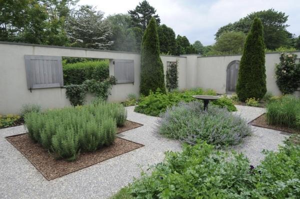 In the garden with ina garten maloney residence ideas pinterest edible garden garden - Ina garten garden ...