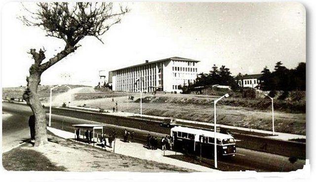 Eski zamanların İstanbul'u Beşiktaş - 1960 Barbaros Bulvarı - Yıldız Teknik Okulu