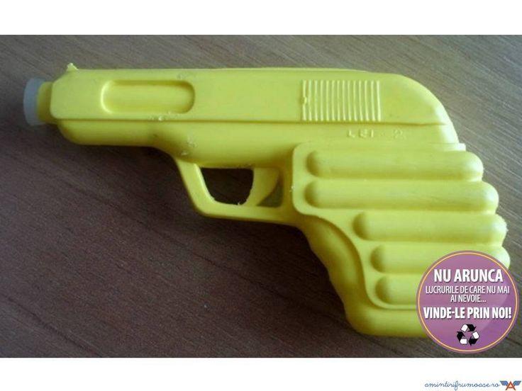 Pistol cu apa