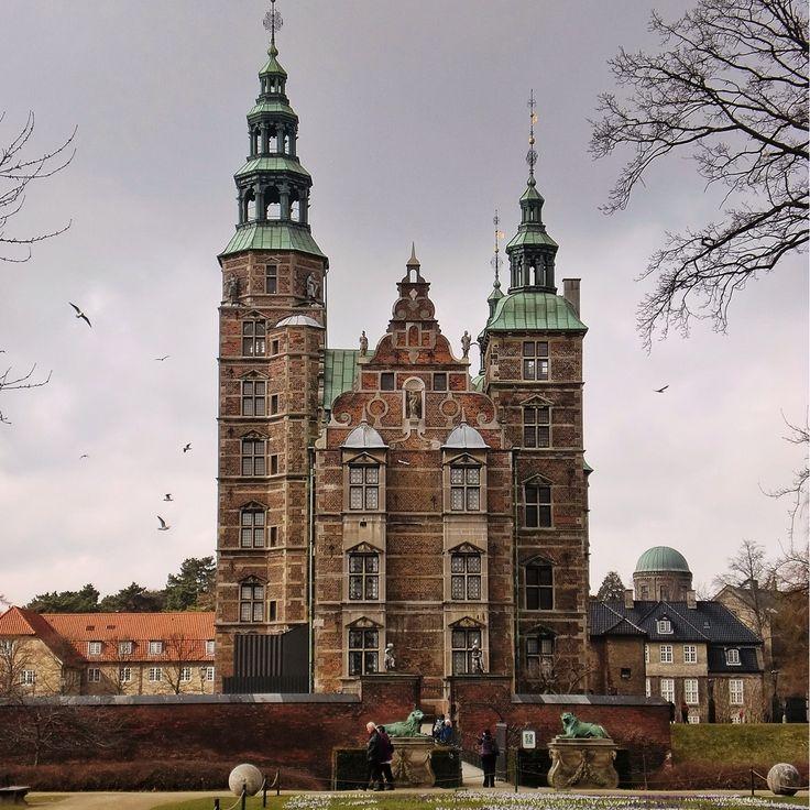 Rosenborg Slot, Copenhagen, Denmark - Copenhagen is a very pleasent city to…
