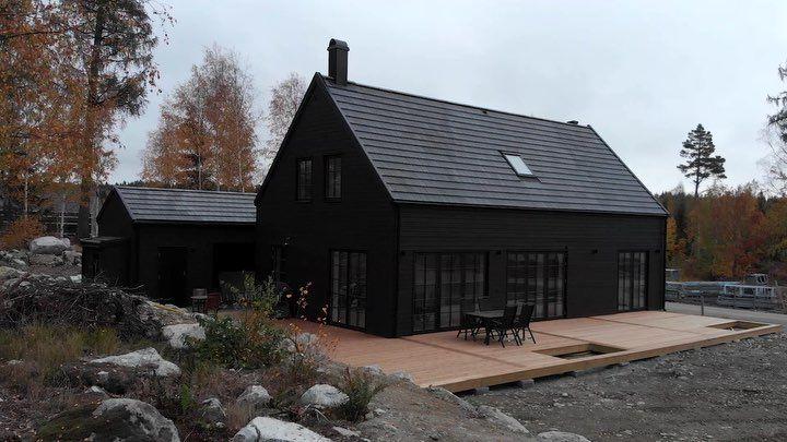 Intressanta Hus On Instagram Pa Sondag Den 26 E Maj Mellan Klockan 11 00 15 00 Har Vi Husvisning In 2020 Barn Style House Passive House Design Black House Exterior