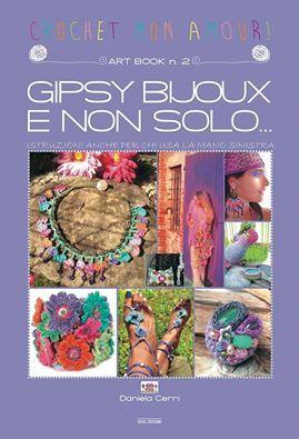 Two books of crochet an artist all super good buy.http://danielacerri.blogspot.com/