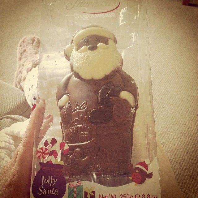 "10 Beğenme, 6 Yorum - Instagram'da @dianeclaymore: ""Chocolate for brekkie anyone? 🎅🍫🍫🍫"""
